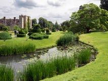 HEVER, KENT/UK - 6月28日:Hever城堡和地面看法在H 免版税图库摄影