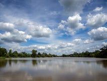 HEVER, KENT/UK - CZERWIEC 28: Widok jezioro przy Hever kasztelem w H Fotografia Royalty Free