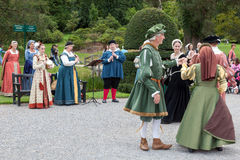 HEVER, KENT/UK - SEPTEMBER 18 : Old fashioned dancing at Hever C Royalty Free Stock Photography