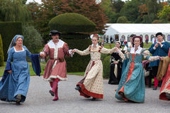 HEVER, KENT/UK - SEPTEMBER 18 : Old fashioned dancing at Hever C Stock Image