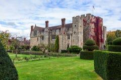HEVER KENT/UK - SEPTEMBER 18: Sikt av den Hever slotten i Hever Ke Royaltyfria Foton