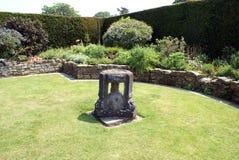 Hever slottträdgård i England arkivbild