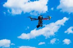 Hexacopter met fotocamera in bijlage Stock Foto's
