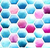 Hexagonmuster von blauen und magentaroten Farben auf weißem Hintergrund Nahtloses Muster des Aquarells Stockfotografie