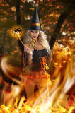 Hexe mit magischem Spinnen-Stab Lizenzfreie Stockfotos