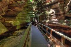 Hexen-Bergschlucht ist eine versteckte Anziehungskraft in Wisconsin-engen Tälern und kann stockfoto