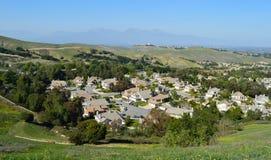 Hög sikt av sydliga Kalifornien inlandförort Arkivbilder