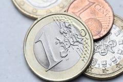 Högen av euroet myntar closeupen Royaltyfri Foto
