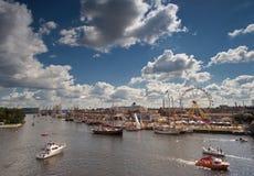 Högväxt Ship i Szczecin Royaltyfri Fotografi
