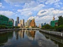 Högväxta moderna byggnader i Shanghai Royaltyfri Fotografi