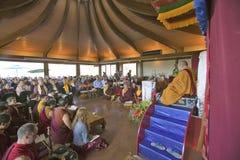 HH Penor Rinpoche, chef suprême Tibétain-né de bouddhisme de Nyingmapa, préside au-dessus de l'habilitation d'Amitabha au bâti de Photo stock