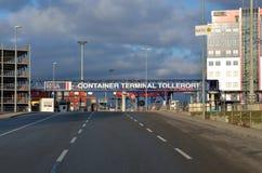 HHLA集装箱码头Tollerort大门 库存图片