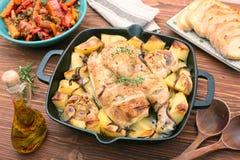 Hühnereintopf mit Kartoffeln und Gewürzen Stockfoto