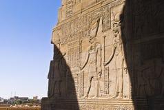 Hiéroglyphes dans le temple égyptien Image stock