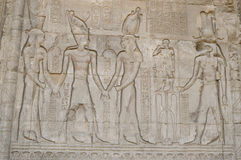 Hiëroglyfische gravures op een oude Egyptische tempelmuur Royalty-vrije Stock Fotografie