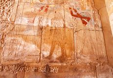 Hiëroglyfische gravures van pharaohs op de muur in Luxor royalty-vrije stock afbeeldingen