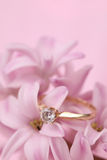 hiacyntu zaręczynowy pierścionek Obrazy Stock