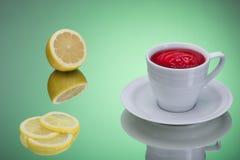 Hibiskuste med citronen Arkivbild