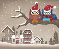 Hiboux de Noël sur l'image 2 de thème de branche Images stock