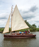 HICKLING BROAD, NORFOLK/UK - AUGUST 5 : Sailing on Hickling Broa Royalty Free Stock Images