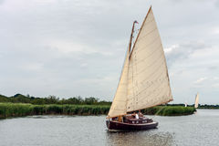 HICKLING BROAD, NORFOLK/UK - AUGUST 5 : Sailing on Hickling Broa Royalty Free Stock Photography