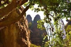 Hiden hermana las montañas Fotos de archivo