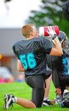 Hidratación del fútbol americano de la juventud Fotos de archivo