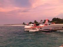Hidroavião gêmeo de Otto em Maldivas imagem de stock
