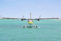 Hidroavião, homem, Maldivas Imagem de Stock