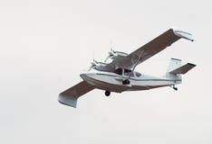 Hidroavión del vuelo fotografía de archivo