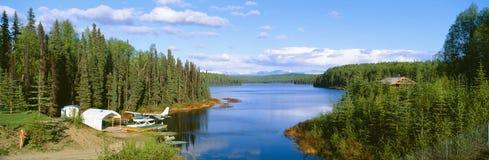 Hidroavión en el lago Talkeetna Imagenes de archivo