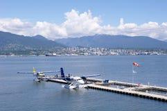 Hidroaviones en el puerto Vancouver, Canadá Foto de archivo