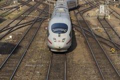 HIELE el tren que sale del ferrocarril central de Munich, 2015 Foto de archivo