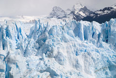 Hielo azul del glaciar Fotos de archivo