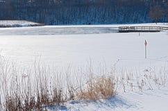 Hielo de la nieve y niebla del lago Rebecca Fotos de archivo