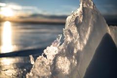 Hielo de Sylvan Lake Sunset Over The Imagen de archivo