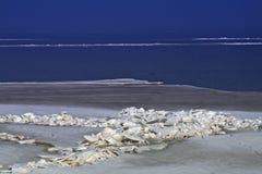Hielo en el mar. Fotografía de archivo