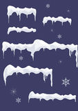 Hielo-hoja con los carámbanos, las estrellas y los copos de nieve. Top de la nieve. Imagen de archivo