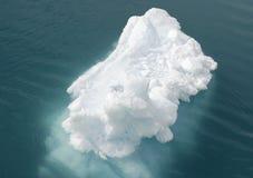 Hielo-masa de hielo flotante Fotos de archivo libres de regalías