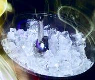Hielo para las bebidas y los cocteles Foto de archivo libre de regalías