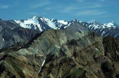 Hielo, rocas y montañas foto de archivo libre de regalías