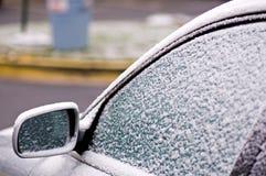 Hielo y nieve en el coche Fotografía de archivo