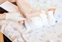 Hielprik van pasgeboren stock fotografie