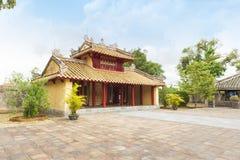 Hien Duc Gate bij Minh Mang-graf - de Keizerstad van Tint, VIet stock fotografie