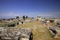 Hierapolis, Τουρκία Αρχαίοι τάφοι στη νεκρόπολη ΙΙ - ΧΙΧ αιώνας Στοκ φωτογραφία με δικαίωμα ελεύθερης χρήσης