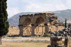 Hierapolis, Τουρκία Αρχαίοι τάφοι στη νεκρόπολη ΙΙ - ΧΙΧ αιώνας Στοκ Φωτογραφία