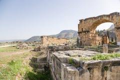 Hierapolis, Τουρκία Καταστροφές των βόρειων ρωμαϊκών λουτρών, ΙΙ ΑΓΓΕΛΙΑ αιώνα Στοκ Φωτογραφίες