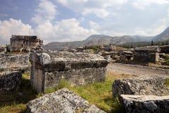 Hierapolis, Турция Старые усыпальницы в некрополе II до столетие XIX стоковое изображение rf