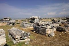 Hierapolis, Турция Старые усыпальницы в некрополе II до столетие XIX стоковые фото