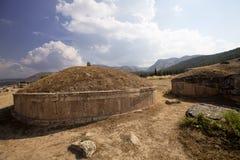 Hierapolis, Турция Старые усыпальницы в некрополе II до столетие XIX стоковые фотографии rf